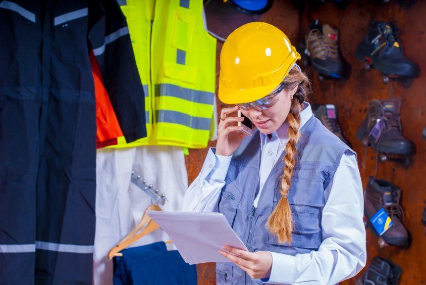 現場監督(施工管理)の服装と持ち物【服装はきちんとするべし】