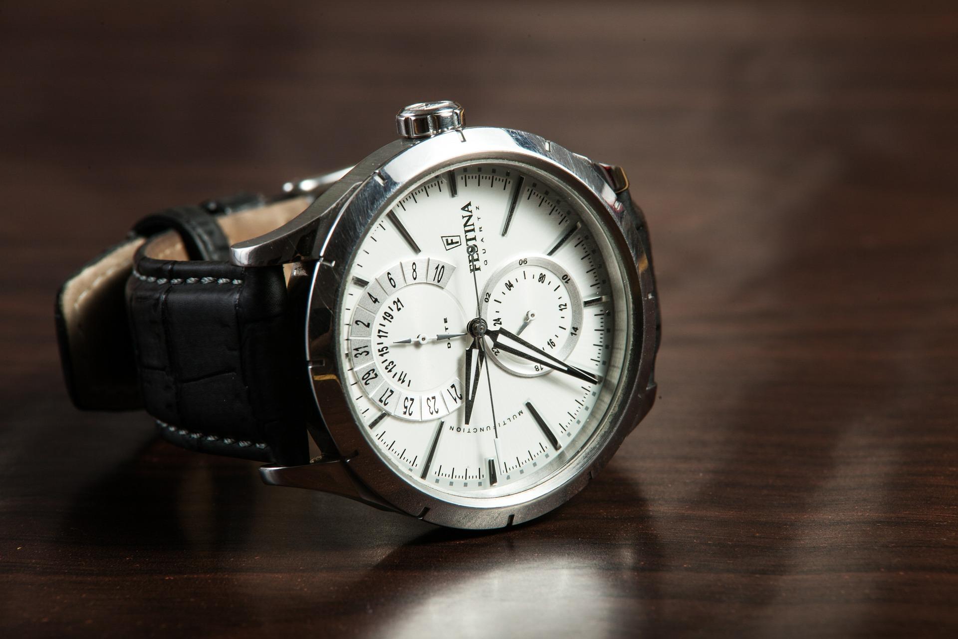 現場監督の腕時計にふさわしい5つの条件