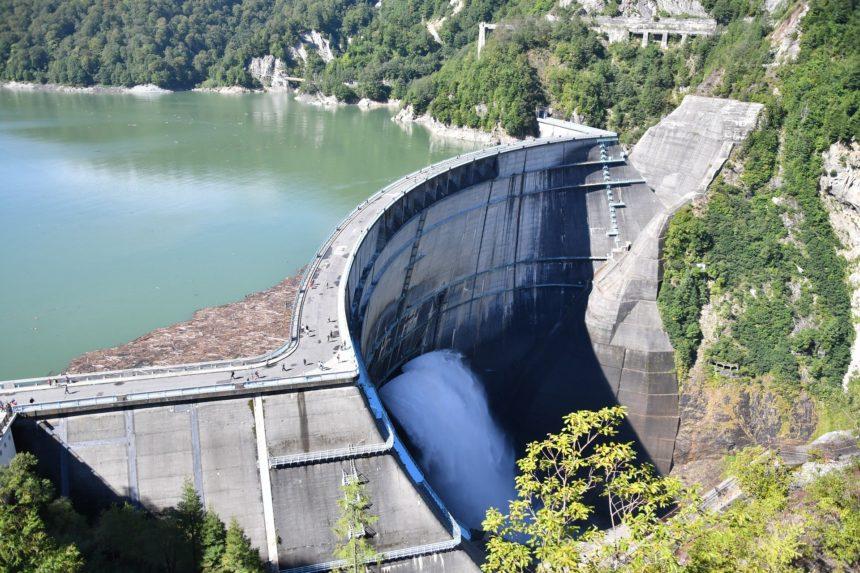 黒部ダムの建設秘話【死者が出る事故を乗り越え日本の復興を支えた】