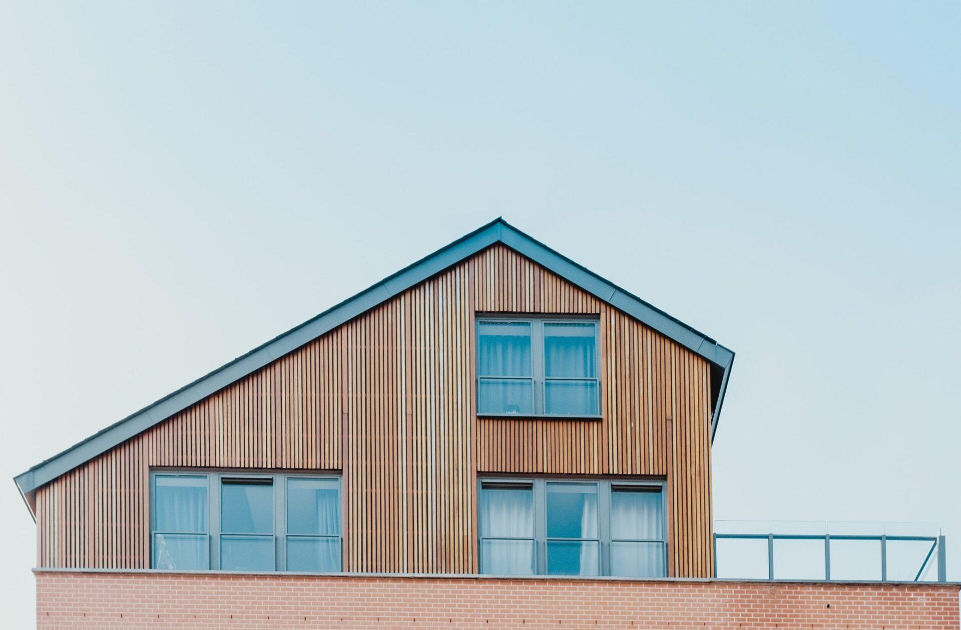 木造建築士と二級建築士の資格の違い【正直、二級建築士がおすすめ】