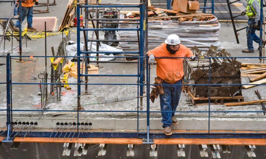 施工管理経験者なら50代でも転職できる【3つの転職活動方法も解説】